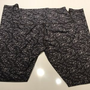 Lululemon leggings no size tag medium 8/10?